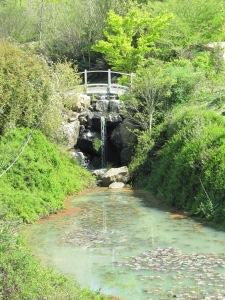 Bridge over pond - Quarryhill
