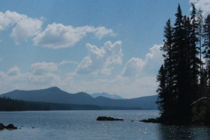 Waldo Lake with mountains